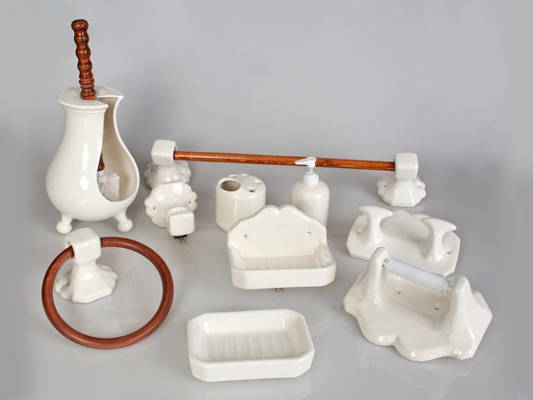 Juegos de ba o ceramica hispania qualitas for Accesorios de bano de ceramica